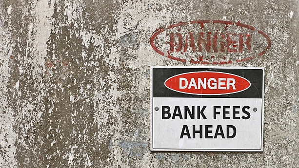 How to Avoid Typical Bank Fees